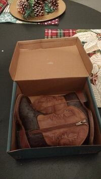 Toddler boys Roper boots size 6