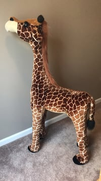 4' tall stuffed giraffe Boyds, 20841