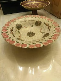 round red and white floral ceramic plate Brampton, L6T 3W2