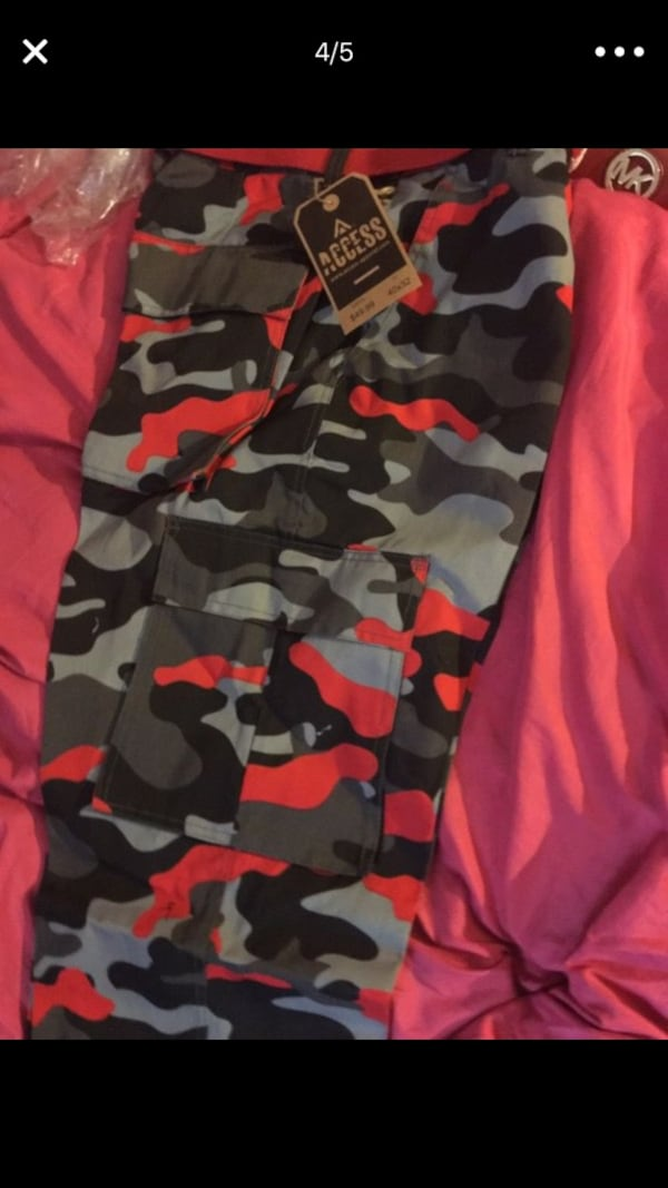 Camo Access clothes tag screenshot 3