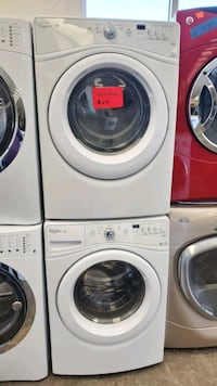 Front load washer and dryer set Whirlpool excellent condition