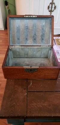 Classic Old Cigar Humidor. Mississauga, L5B 2Y3