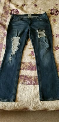 Blue Distressed Jeans St. Catharines