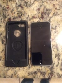 space gray iPhone 5s with case