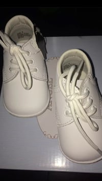 pair of white Converse low-top sneakers Austin, 78728