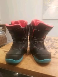 Snowboard Boots Size 4 young
