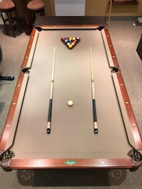 8ft solid wood Pool table by vitalie
