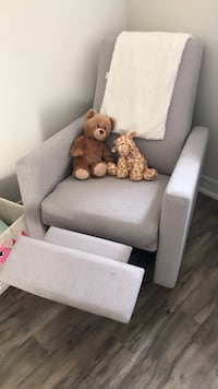 Dutailier recliner Chair Whitby, L1R 3J7