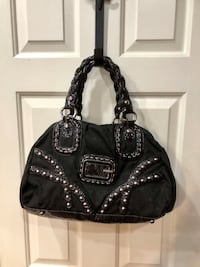 Large Guess Purse- Perfect Condition Bristow, 20136