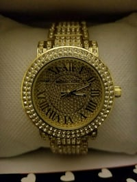 round gold analog watch with gold link bracelet Lithonia, 30058