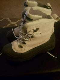 New boot and Nike sneakers size 7