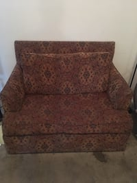 Love seat pull out Richmond, 23220