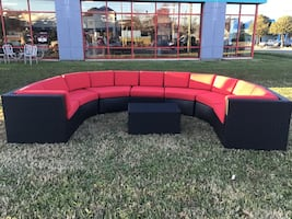 New scratch and dent med/Black  8pc outdoor sectional w/cushions