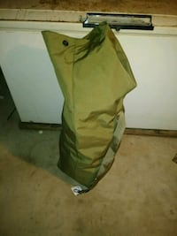 XL Top Loading Military Duffle Pick up only. Mount Morris, 48458