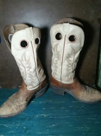 white-and-brown leather deep scallop R toe undershot heeled knee-high cowboy boots Casper, 82604