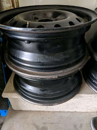 Nissan 4 bolt rims 553 km