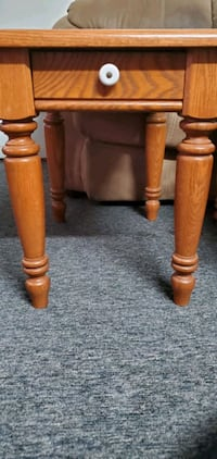 2 Side Tables Skokie, 60077