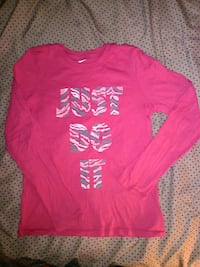 Girls Nike long sleeve tee