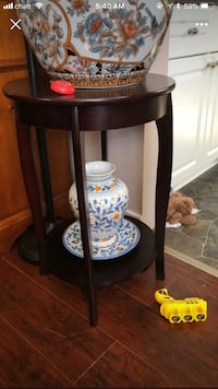 $10 for 2 pieces: vase and the plate underneath. The plate can be hung on the wall.  Hamilton, L9A 1T3