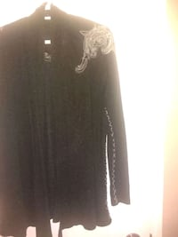Beautiful Black Detailed light weight sweater