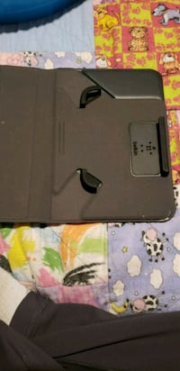Universal 8 in tablet cover Sherwood Park, T8A 5R8