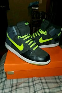Nike SB dunk 6.0 high top shoes size 13. Glow in the dark.