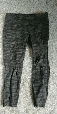 camo distressed jeggings womens xl Iona Station, N0L 1P0