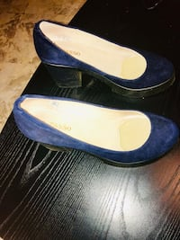 Women's suede shoes 6 1/2