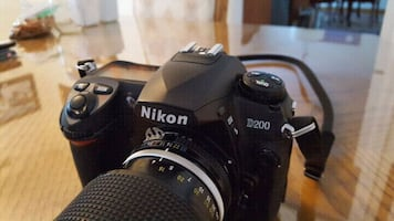Nikon D200 with lens and Bag