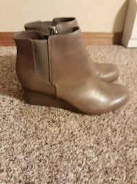 Adorable Dr. Scholls wedge booties! New with tags! 664 mi