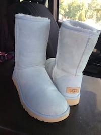 LIMITED EDITION WORN ONCE LIKE NEW AUTHENTIC UGGS SIZE 7 SKY BLUE Virginia Beach