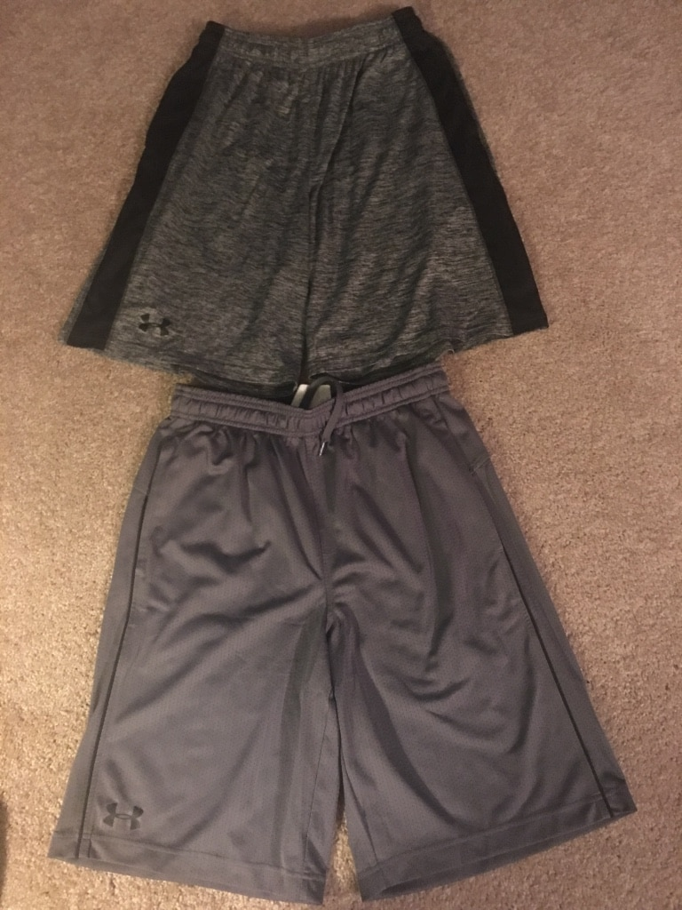 Mens underarmour size small shorts