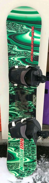 black and green snowboard with bindings Sparks, 89431