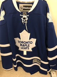 2 Toronto Maple Leafs Jerseys - NEW Toronto, M5H 1N1