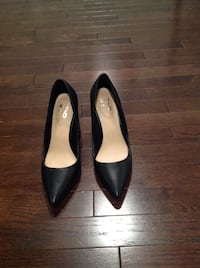 pair of black leather pointed-toe heeled shoes Elkridge, 21075