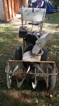 "Snow blower 5hp 26""cut Bel Air, 21015"