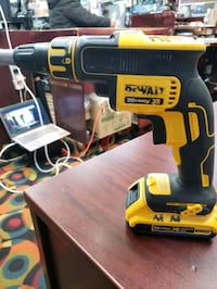 DEWALT 20V MAX XR Li-Ion Brushless Drywall Screw Gun