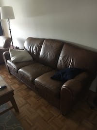 Used luxury leather couch Boston, 02110