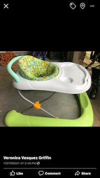 baby's white and green highchair screenshot Portland, 78374