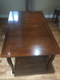 Dining table- cherry wood  Mississauga, L4Y 4G4