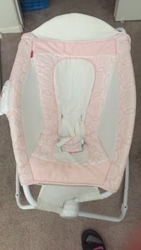baby's pink and white bouncer Perris, 92571