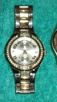 round silver-colored chronograph watch with link bracelet Widnes, WA8