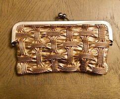 Vintage style Nicole Miller NY gold clutch/coin purse. Sz 8x4