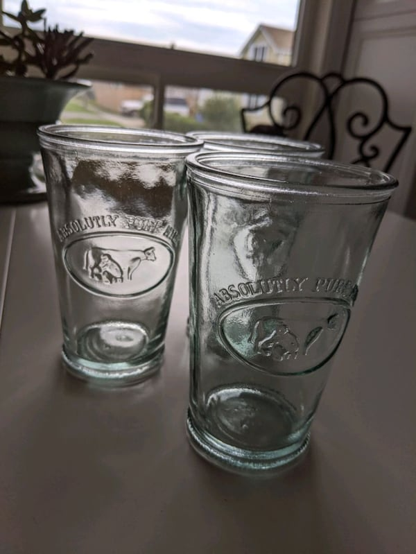 3 thick glass absolutely pure milk  d72cbe24-7be6-4feb-ae65-bfc0a0704d27
