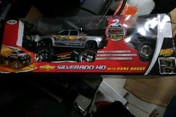 gray Chevrolet silverado with dune buggy die-cast with box