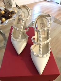 Valentino white shoes  Vaughan, L4H 4G5