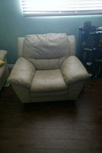 Cream leather couch set Kitchener, N2E 3M2