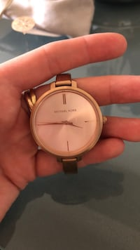 Rose gold Michel kors watch London, N6A 1A5