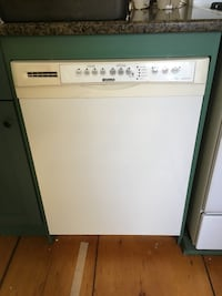 White dishwasher Blandford-Blenheim, N0J 1B0