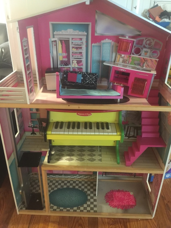 Used Barbie Doll House For Sale In Perth Amboy Letgo